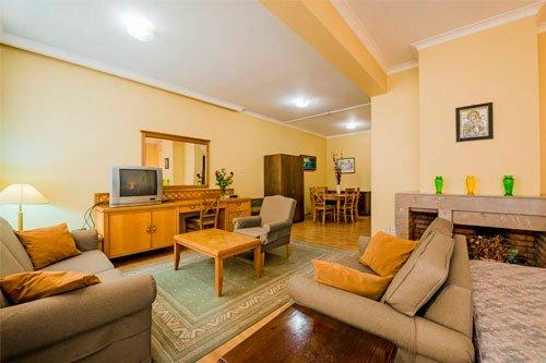 Estella Hotel & Apartments